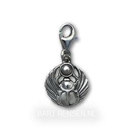 Zilveren scarabee charm
