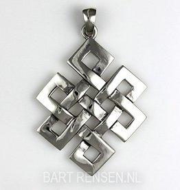 Tibetan knot pendant - silver