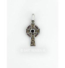 Keltisch Kruis met edelsteen.