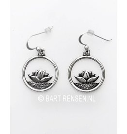 Lotus oorhangers - zilver
