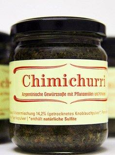 Chimichurri salsa argentina con aceite vegetal y hierbas