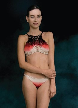 Entreaguas Bikini Entreaguas, Infinity turning coral