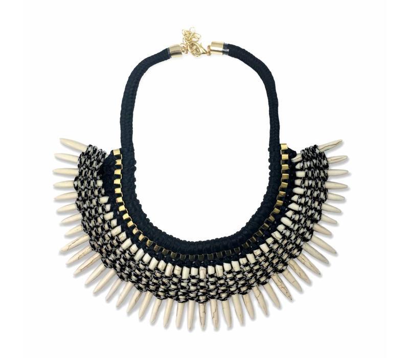Necklace Colmillo, White