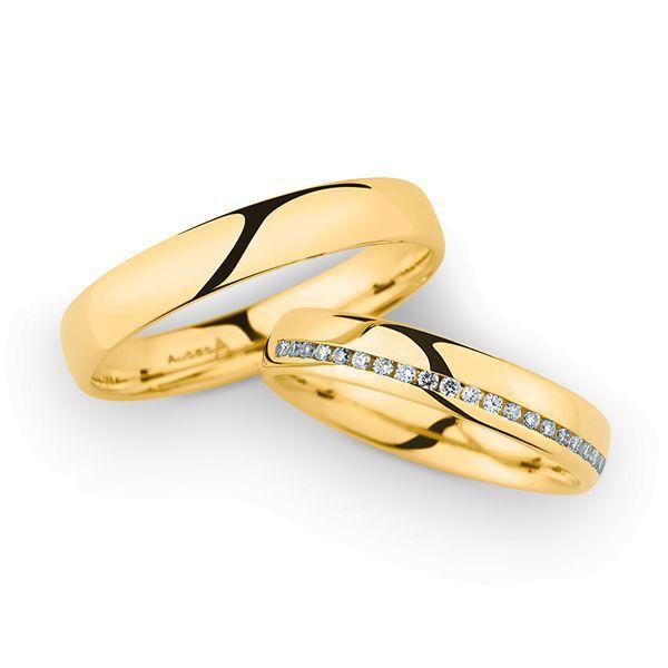 Wedding Rings 14 Carat Yellow Gold 21 Brilliants