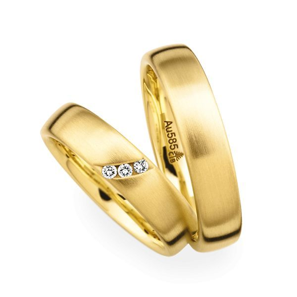 Wedding Rings 14 Carat Yellow Gold 3 Brilliants