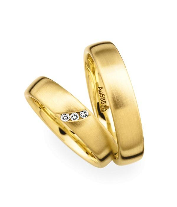 Christian Bauer Wedding Rings 14 Carat Yellow Gold 3 Brilliants
