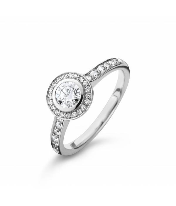 Highlights Ring Witgoud Solitair Entourage met Diamant