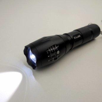 Militairy Grade LED zaklamp - tactische zaklamp met SOS functie