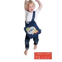 Kindergartentasche und Rucksack in einem mit Namen bestickt mit Astronaut Raumschiff und Planeten.