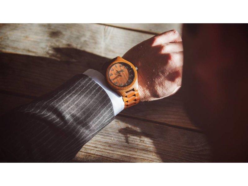 Lumbr Wooden Watch T1M3 Walnut Large
