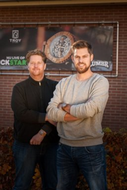 100.00 euro via crowdfunding voor houten horloge Troy