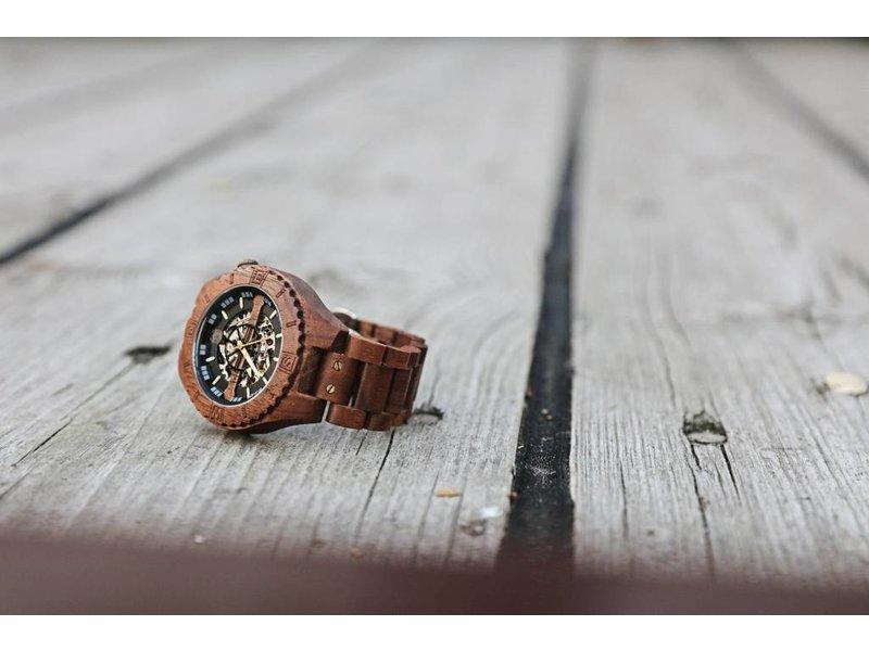 Lumbr Troy watch - van walnoothout met zilver binnenwerk | Lumbr