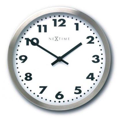 Nextime De NeXtime klok Big Ben heeft een diameter van maar liefst 95 cm. Vanaf grote afstand kunt u de tijd lezen. De rand van de klok is van geschuurd aluminium. Een ideale klok voor bedrijven en instellingen waar de klok op grote hoogte komt te hangen, zodat d