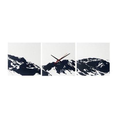 Karlsson Karlsson wandklok Alps Skyline. Set van drie vierkanten van 35x35cm