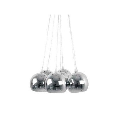 Leitmotiv Metalen chromen bollen gebundeld tot een lamp! Een schitterend design voor sfeervolle verlichting boven tafel.