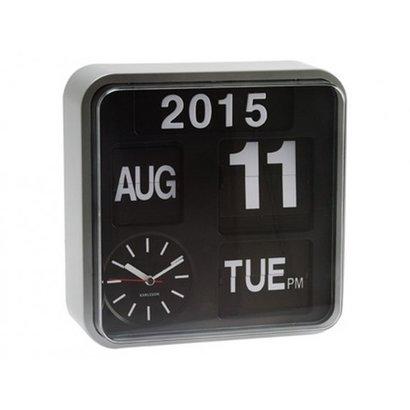 Karlsson Retro Flip klok Big Time met jaar, dag en datum aanduiding. Zilveren kast met zwarte wijzerplaat.