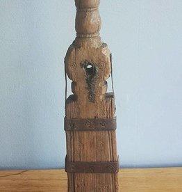 Unieke houten kandelaar