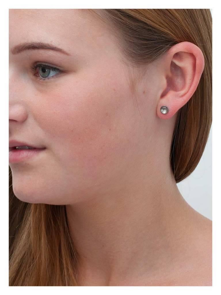 Titanium Ear Bud Glossop
