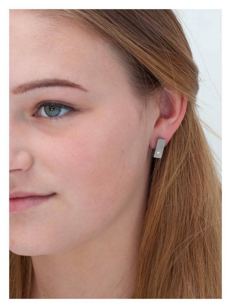 Titanium Ear Bud Bute