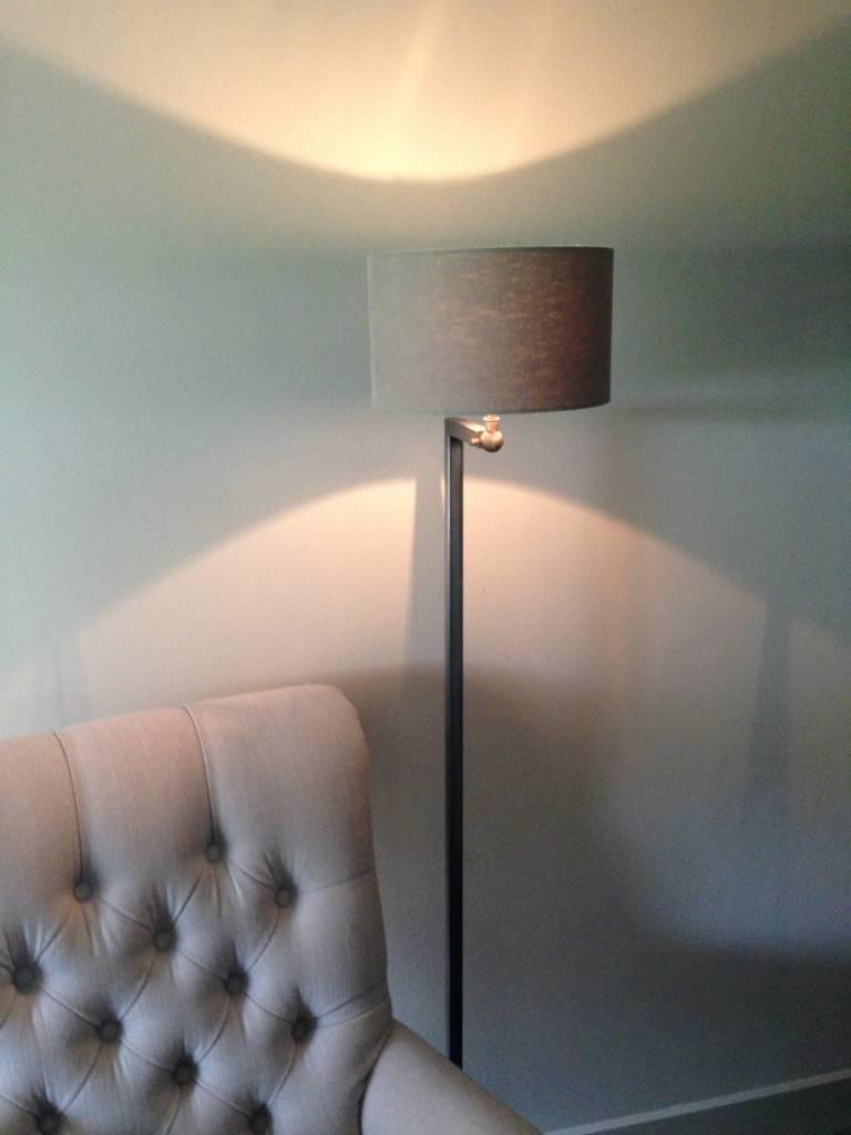 Vloerlamp Vierkante grijze buis