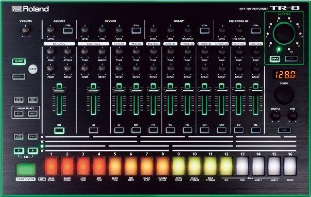 ROLAND Roland TR-8 TR8 Rhythm Performer drumcomputer