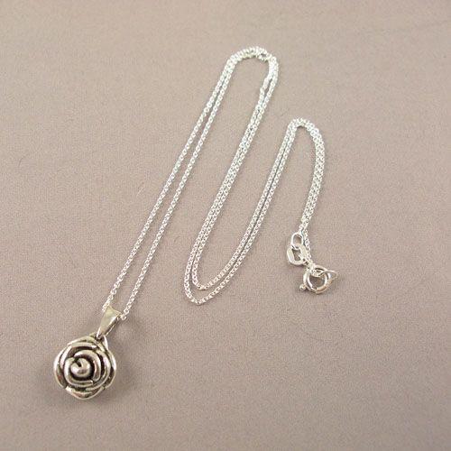 LAVI Rose pendant with Chain