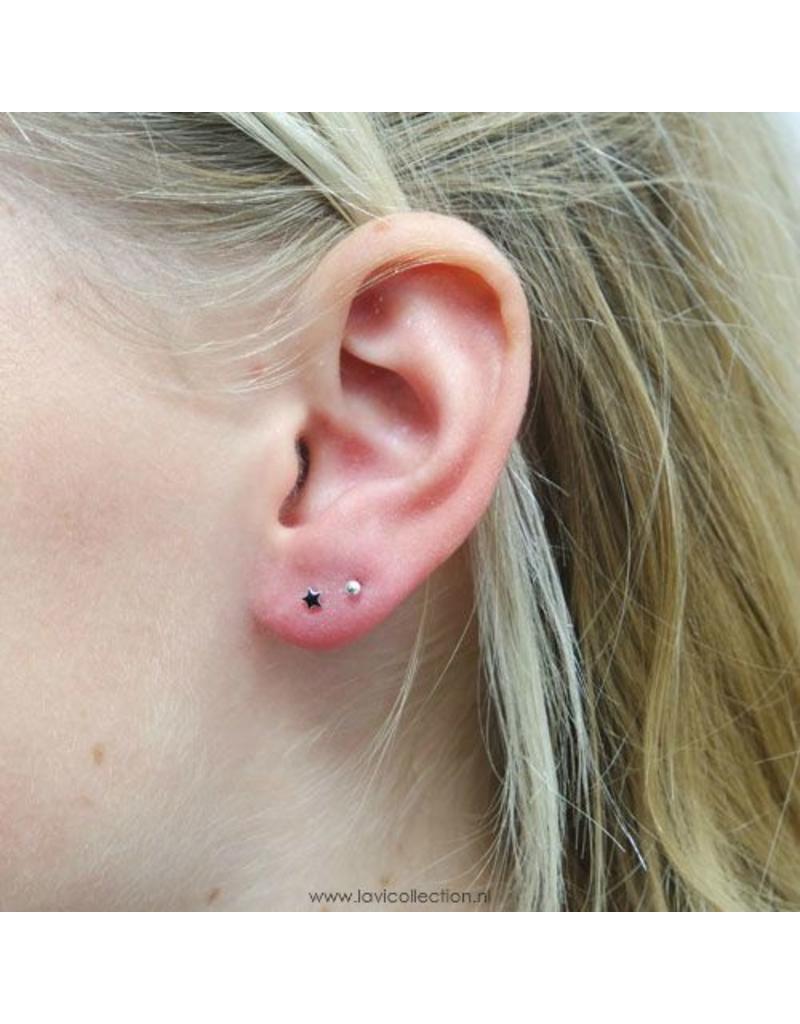 LAVI Tiny Onyx Star Ear Studs