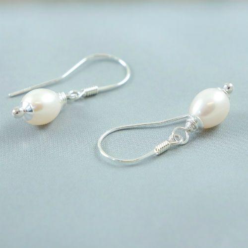 LAVI Simple Freshwater Pearl Earrings