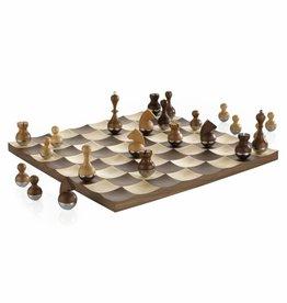 Umbra © Wobble Chess Set Walnut