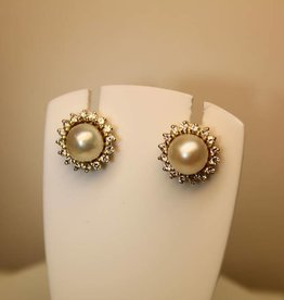14 carat gold earrings with pearl and 0.32ct diamond