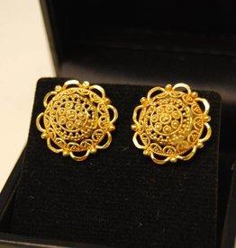 20 carat gold ear studs filigree