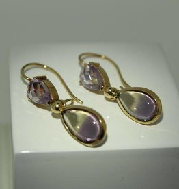 18 carat gold earrings with tourmaline