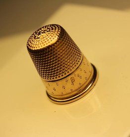 14 carat gold antique Dutch thimble