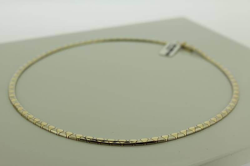 14 carat gold necklace/choker
