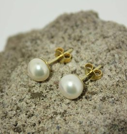 14 carat gold ear studs with 7,5mm white pearl