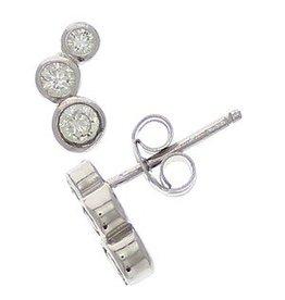 Zilveren oorstekers trosje zirconia's