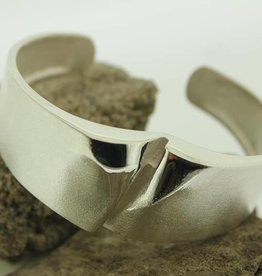 Silver bangle by Lapponia