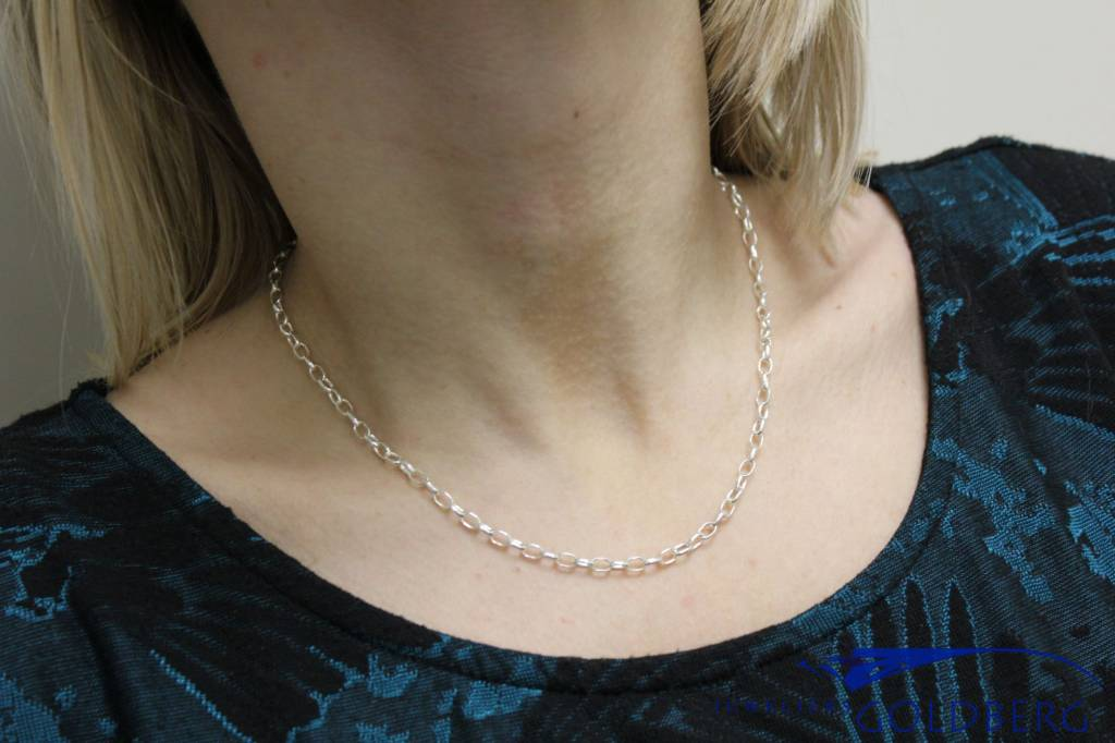 Silver oval belcher chain necklace
