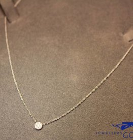 18 carat white gold necklace circle with diamond