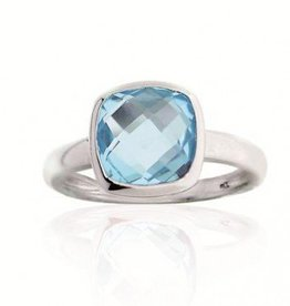 Zilveren ring blauwe topaas vierkant