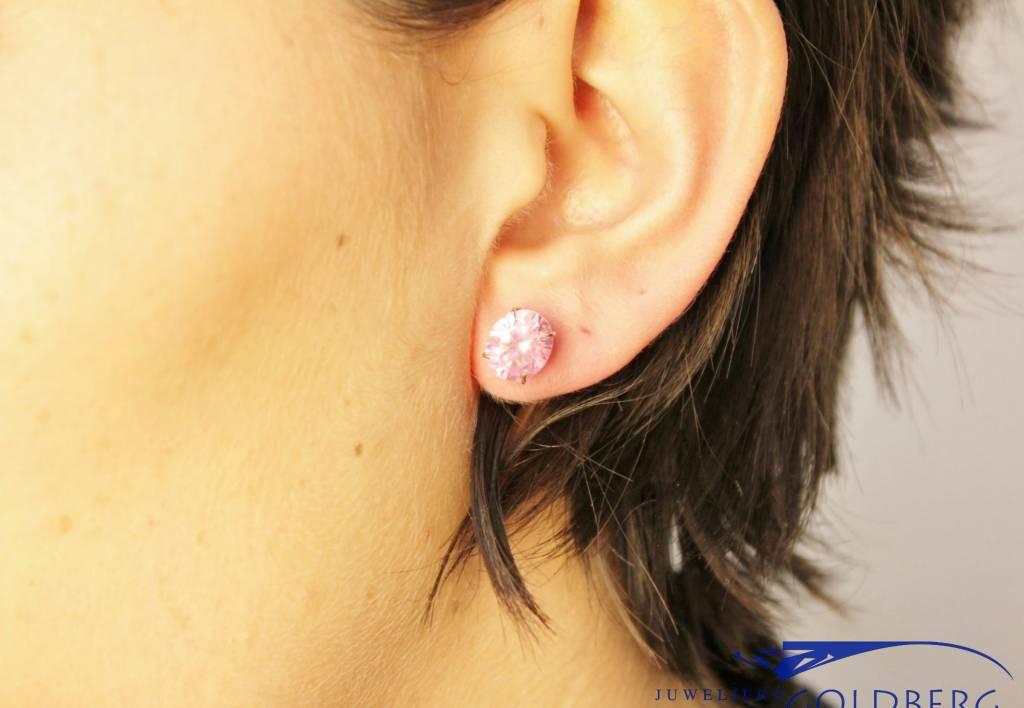 Vintage 14k gouden oorstekers met roze zirconia