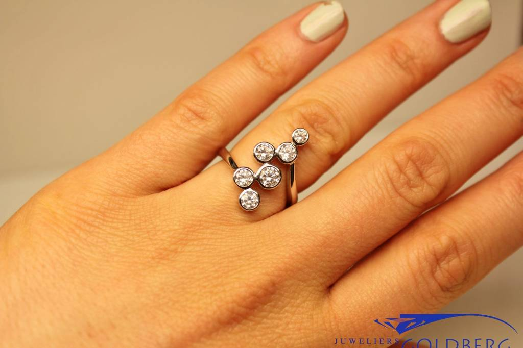 Silver fantasy ring with zirconia's