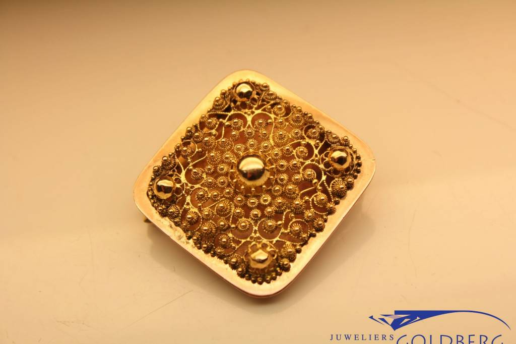 Antique 14 carat gold square brooch from period 1853-1906