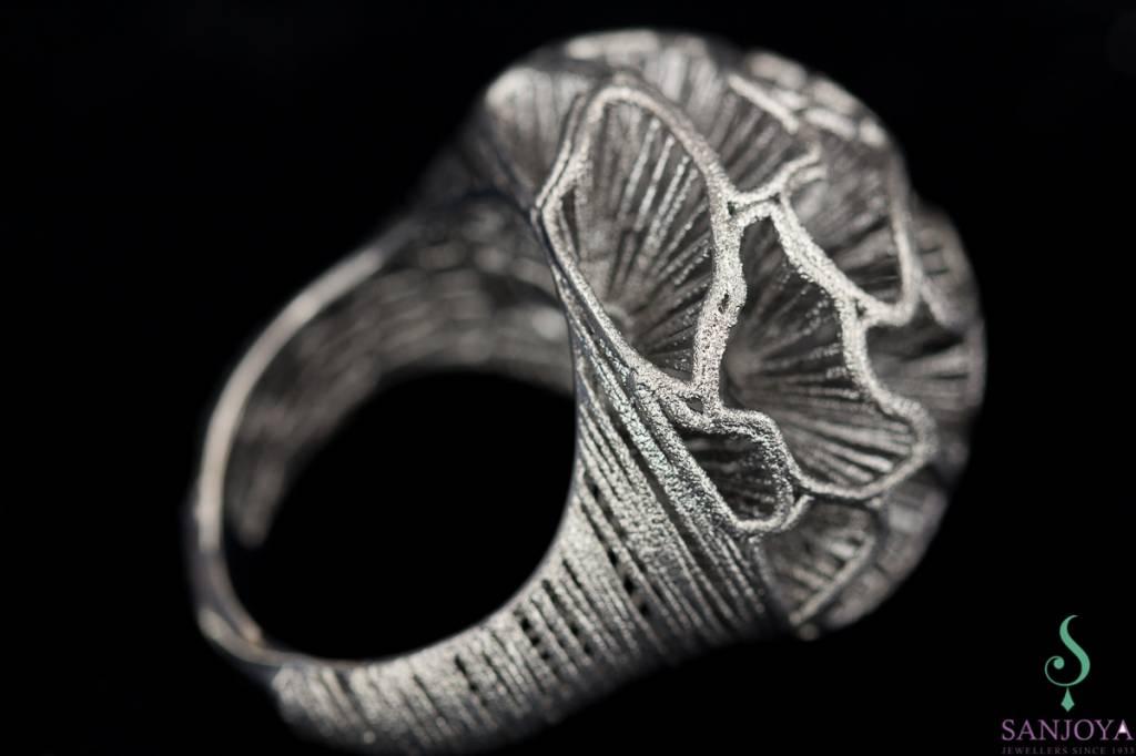 Sanjoya Elegant silver ring, dark grey, hand crafted, Sanjoya