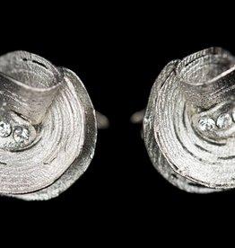 Sanjoya Zilveren bloemvormige oorbellen met zirconia, Sanjoya