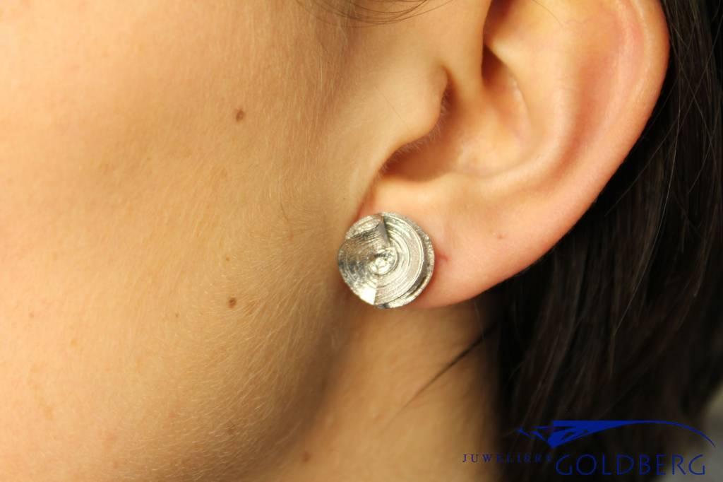 Sanjoya Cute silver flower earrings with zirconia, Sanjoya
