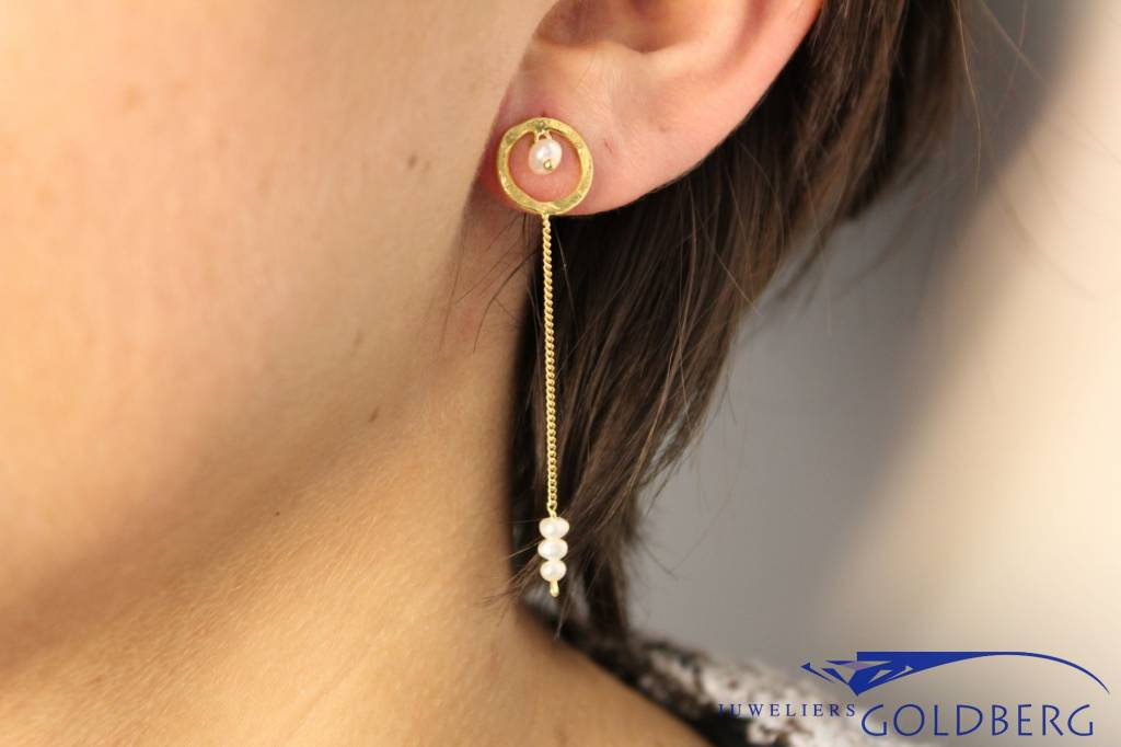 Sanjoya Long goldplated silver earrings with pearls