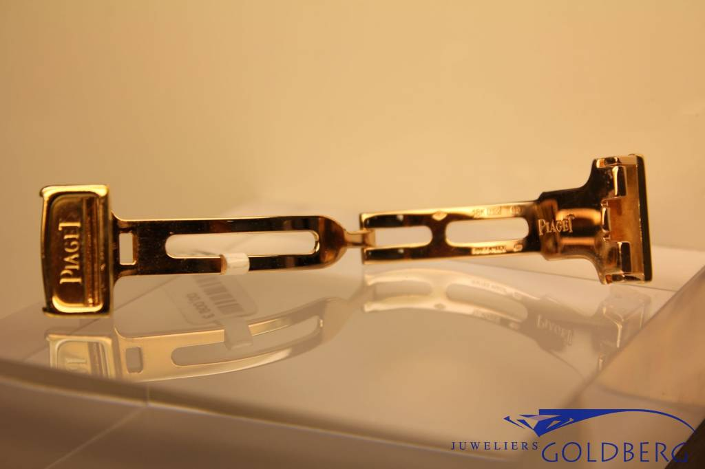 Piaget gold folding clasp