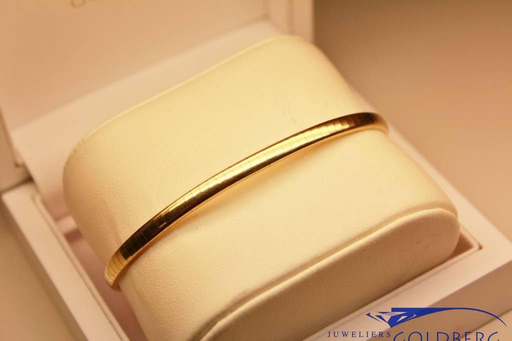 14 carat gold smooth bracelet