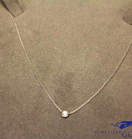 witgouden mini collier met een 0.06ct briljant